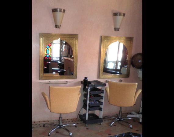 Parrucchiere arredamento prodotti hammam sala coiffeur for Grossisti arredamento